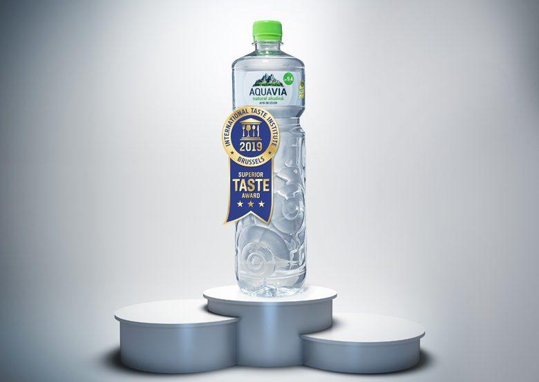 """AquaVia premiată cu 3 stele """"Superior Taste Award"""""""